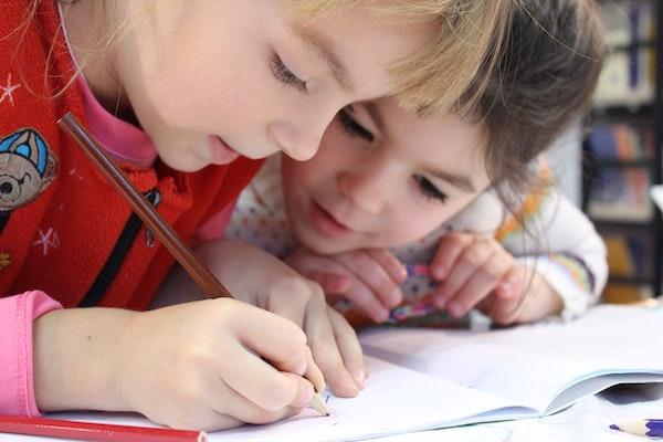 幼稚園と保育園のママ友の違いは?小学校入学しても幼稚園ママのべったり付き合いは続く!